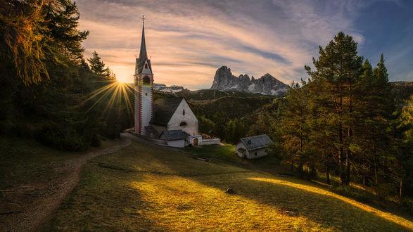 Обои Церковь Св. Якоба, Italy, Bozen-SГјdtirol, Ortisei / Италия, Бозен-Юдтироль, Ортизеи, фотограф Pawel Kucharski