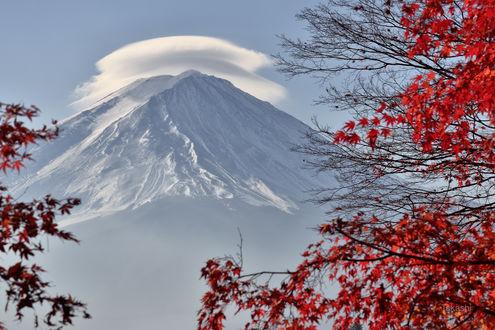 Обои Облако на горе Фудзияма. Фотограф Takashi