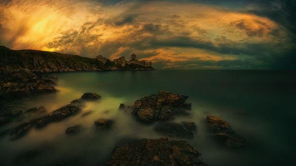 Обои Таинственная крепость на берегах France, Brittany, Frеhel, Plеvenon, Fort la Latte / Франция, Бретань, Фрехель, Пленен, Форт-ла-Латте, фотограф Pawel Kucharski