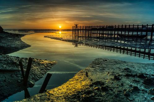 Обои Парень встречает закат на Mourisca, Setubal, Portugal / Муриска, Сетубал, Португалия, фотограф Emanuel Fernandes