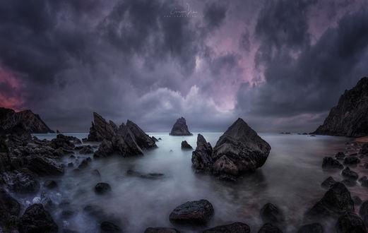 Обои Горные образования в воде под облачным небом, Portugal, Dreamscape / Португалия, Dreamscape, фотограф cmoon view