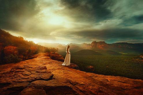 Обои Девушка любуется природой Аризоны, фотограф TJ Drysdale