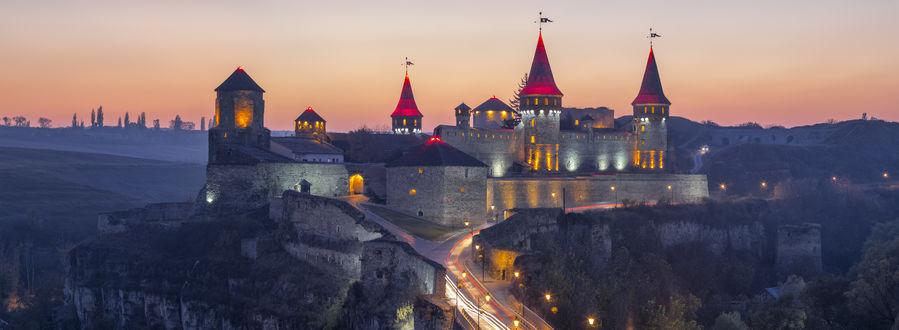 Обои Вечерний вид на Kamianets-Podilsky fortress, Ukraine / Каменец-Подольскую крепость, Украина