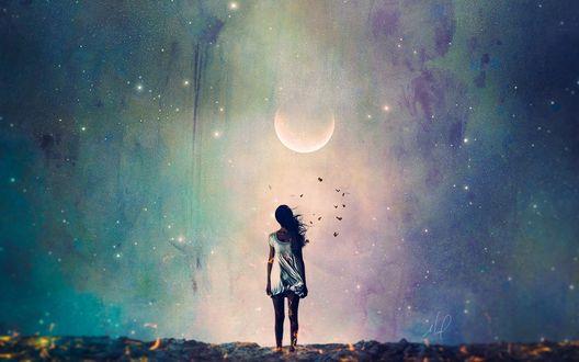 Обои Девушка стоит на фоне ночного неба