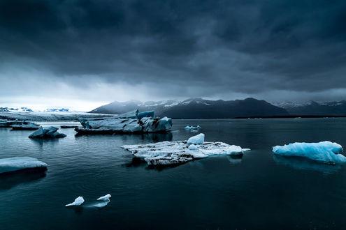Обои Ледяные глыбы в горном озере, by Te0SX