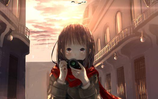 Обои Девочка с фотоаппаратом в руке стоит между домами, by kein-tan