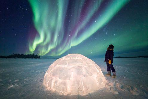 Обои Волшебная ночь в северной Canada / Канаде недалеко от Полярного круга, фотограф Martina Gebarovska
