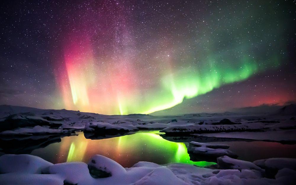 Обои для рабочего стола Северное синие в ледниковой лагуне Jokulsarlon, Iceland / Йокульсарлон, Исландия