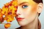 Обои Портрет красивой девушки с орхидеей, фотограф Oleg Gekman