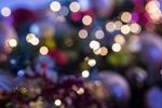 Обои Новогодние шары в бликах