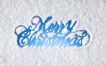 Обои Голубая надпись Merry Christmas / Счастливого Рождества на фоне белого снега