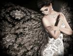 Обои Девушка в вечернем платье, с колье и браслетами, by Lori Novo
