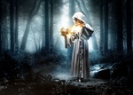 Обои Девушка в белом халате с капюшоном стоит в лесу, держит в руке золотой шар и использует магию