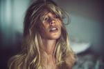 Обои Модель Мара с длинными волосами, фотограф Alex Heitz