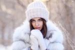 Обои Модель Алина в шапке, шубе и варежках, фотограф Dmitry Arhar