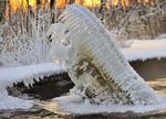 Обои Зимняя льдина напоминающая зубы крокодила, фотограф Hannu Koskela