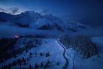 Обои Зимнее холодное утро на перевале Gurnigel / Гурнигель, Switzerland / Швейцария, фотограф Adrian Zurbriggen