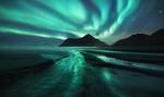 Обои Северное сияние над горами и побережьем, фотограф Patrick Marson Ong
