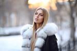 Обои Модель Алена в пальто с меховым воротом, фотограф Dmitry Arhar