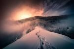 Обои Следы на снегу на восходе солнца, by Croosterpix