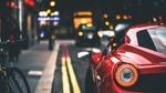 Обои Красная Феррари 458 на улице города
