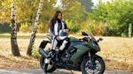 Обои Модель Юлия на мотоцикле