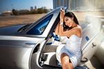 Обои Модель Stephany сидит в авто, фотограф Ivan Gorokhov