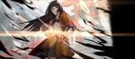 Обои Девушка-самурай вынимает из ножен катану, стоя перед воротами Тории