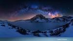 Обои Млечный путь на небе. Национальный парк Picos de Europa National Park: Fuente De and Covadonga / Пикос-де-Эуропа: Фуэнте Де и Ковадонга, Испания, фотограф Carlos F Turienzo