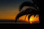 Обои Закат солнца на побережье экзотической природы
