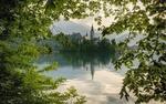 Обои Церковь Успения Девы Марии на Бледском озере в городе Блед в Словении / Slovenia, фотограф Irca Caplikas