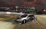 Обои Автомобиль Mitsubishi Lancer EVO VIII в управляемом заносе из игры NFS: Underground 2 на автостраде, на фоне холмов ночного города Bayview