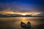 Обои Две лодки у берега реки на закате дня, окрестности Hoa Binh, Vietnam / Хоа Бинь, Вьетнам, by Quang Nguyen vinh