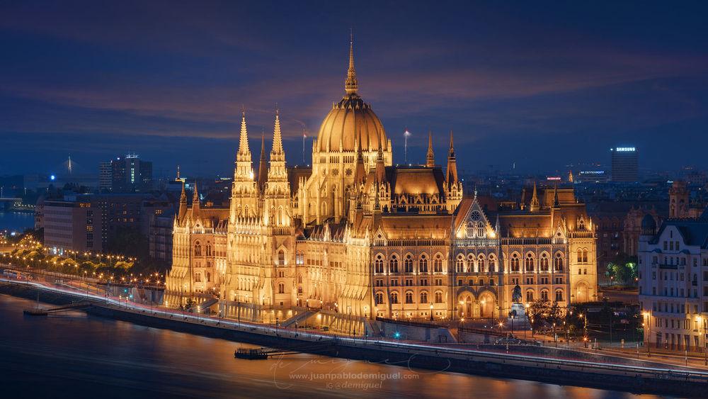 Обои для рабочего стола Здание венгерского парламента, фотограф Juan Pablo de Miguel
