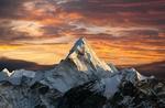 Обои Заснеженная вершина Ama Dablam / Ама-Даблам на закате, Himalaya, Nepal / Гималаи, Непал, фотограф Daniel Prudek