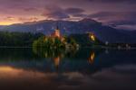 Обои Церковь Успения Девы Марии на Бледском озере в городе Блед в Словении / Slovenia, фотограф Juan Pablo de Miguel