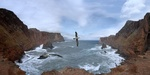 Обои Чайки, парящие над волнами небольшого залива со скалистыми берегами, by Jodeng