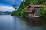 Обои Домик на берегу озера