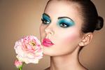 Обои Портрет красивой девушки с цветами. Фотограф Олег Гекман