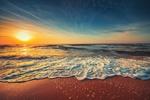 Обои Красивый восход солнца над морем. Фотограф Валентин Валков