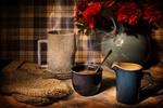 Обои Горячий кофе, цветы в вазе и вязанная вещь на столе, by Jill Wellington