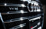 Обои Хромированная решетка машины марки Audi W12