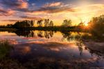 Обои Красочный летний закат на реке, фотограф Алексей Малыгин