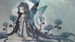 Обои Девушка с крыльями бабочки сидит в сугробах с цветами, автор оригинала Tearfish