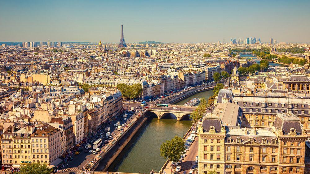 Обои для рабочего стола Прекрасный вид сверху на Эйфелеву башню, Paris / Париж, France / Франция