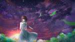 Обои Девушка с клевером в руке стоит в траве в последних лучах заходящего солнца