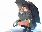 Обои Девушка в военной форме сидит на корточках под зонтом, персонаж из аниме и игры Судьба / Великий приказ / Fate / Grand Order: First Order