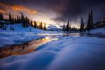 Обои Мрачные облака над замерзшей рекой. Фотограф Doug Shearer