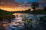 Обои Речка вдоль поселка на закате дня, фотограф Андрей Шумилин