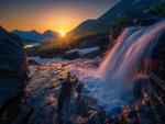 Обои Восход солнца на водопаде Ромсдален, Норвегия. Фотограф Ole Henrik Skjelstad